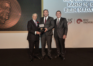 Metin Sitti receives Rahmi Koç Medal of Science